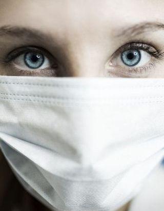 Coronavirus : maquillage et masque, le mauvais duo ?