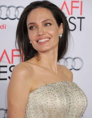 Angelina Jolie, nouvelle égérie Guerlain, se confie