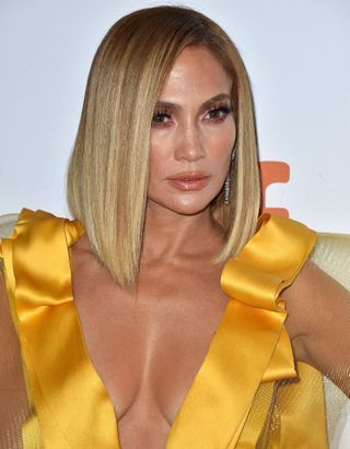 Jennifer Lopez : on connaît le soin à l'origine de son glow