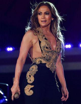 Jennifer Lopez ose cette nouvelle couleur de cheveux qu'on rêve secrètement d'adopter