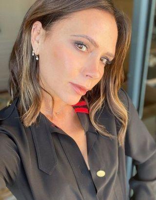 Victoria Beckham : ses petits secrets pour avoir un teint parfait (même sans dormir)