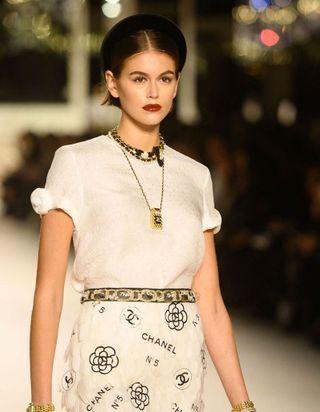 C'est officiel, on veut les deux coiffures du défilé Chanel