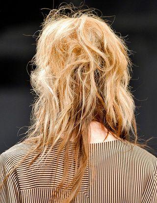 Peut-il y avoir des bulles dans les cheveux ?