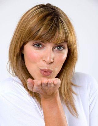 #ELLEBeautyCrush : Clinique nous invite à choisir notre rouge à lèvres en fonction de notre carnation