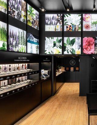 #ELLEbeautyspot : on créé son propre parfum chez The Alchemist Atelier