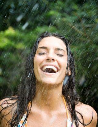 Voici combien de temps doit durer une douche pour être en forme le matin