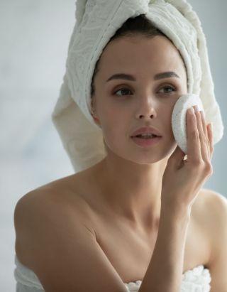 Covid : combien de fois faut-il se laver les mains, les cheveux, le corps ?