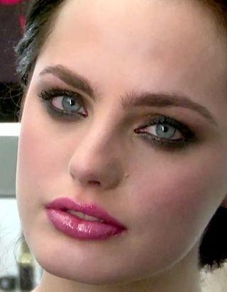 [VIDEO] Leçon de maquillage pour les fêtes
