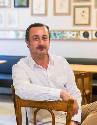 Kamal Mouzawak, food activiste, se confie dans le podcast « A Poêle »