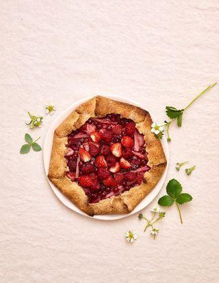 Duo fraise-rhubarbe : nos desserts gourmands