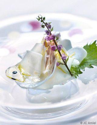 Sashimi de noix de coco fraîche