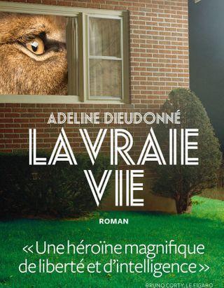 """Qui est Adeline Dieudonné, l'auteure de """"La Vraie vie"""", le roman phénomène de la rentrée ?"""