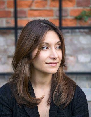 Dina Nayeri : portrait de l'écrivaine iranienne