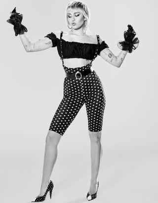 Miley Cyrus : « Dolly Parton m'a appris à m'exprimer »
