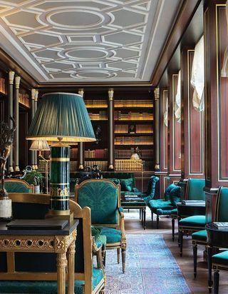 S'évader à Paris : un séjour royal dans le palace le plus confidentiel de la capitale