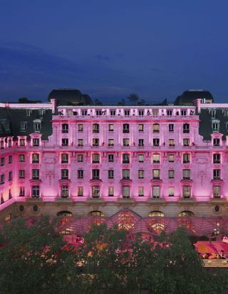« Octobre Rose » au Peninsula Paris