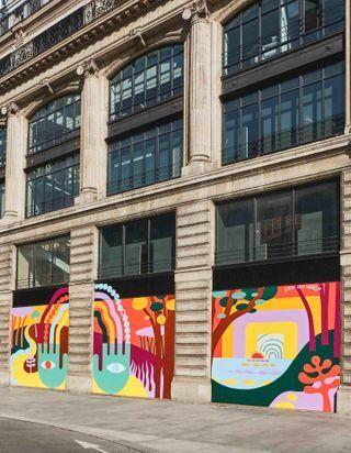 Confinement : Louis Vuitton diffuse un message d'optimisme dans Paris