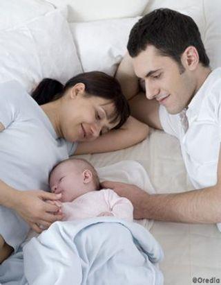 Mon bébé peut-il dormir avec moi ?