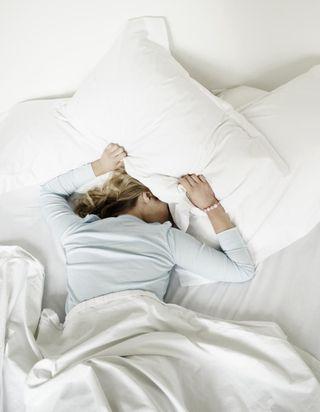 Les 5 maux qui vous guettent si vous dormez sur le ventre