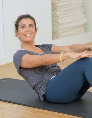 Cours de Pilates en vidéo : 15 minutes pour une séance d'auto-grandissement