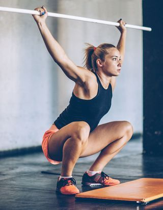 10 exercices avec un bâton pour un corps en béton