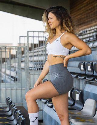 24 heures dans la vie de l'influenceuse fitness Juju Fitcats