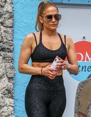 Jennifer Lopez : voici sa technique pour brûler de la graisse plus rapidement