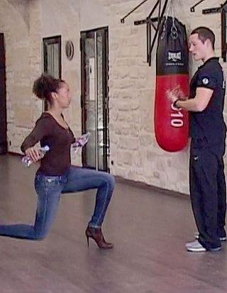 [VIDEO] Se muscler en toutes circonstances : on tonifie ses jambes et ses bras