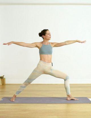 Cours de yoga en vidéo : 20 minutes pour faire circuler l'énergie stagnante