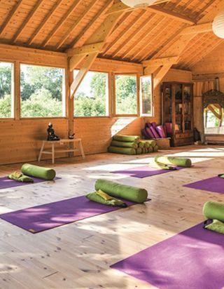 Où réserver son prochain stage de Yoga ?