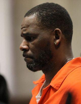 Procès R. Kelly : le chanteur est reconnu coupable de « crimes sexuels »
