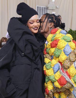 Rihanna, Justin Bieber, Kit Harington : l'amour sur tapis rouge au Met Gala 2021