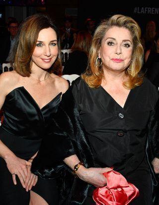 Catherine Deneuve, Virginie Ledoyen : elles célèbrent 110 ans de coiffures à la fran?aise