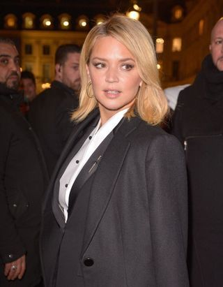 Haute Couture 2020 : Virgine Efira, Reese Witherspoon, Juliette Binoche, trio glamour chez Armani