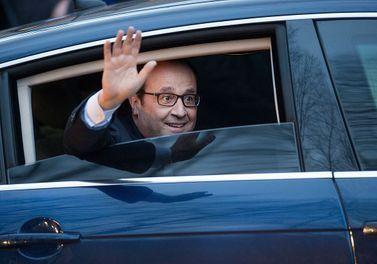 François Hollande Reçoit Les Conseils Avisés D'Alix...