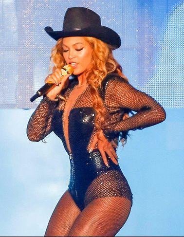 Pourquoi la beauté (sur)naturelle de Beyoncé fascine tant ?