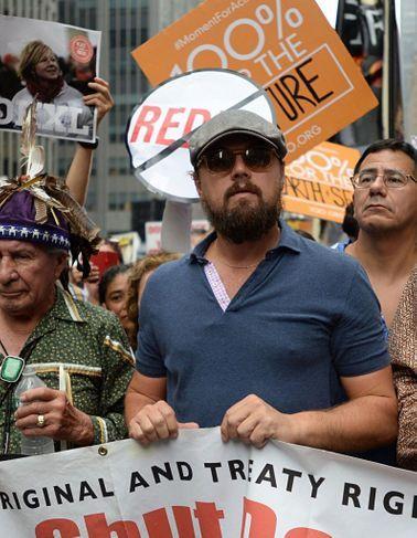 Leonardo DiCaprio manifeste à New York pour alerter sur la situation climatique