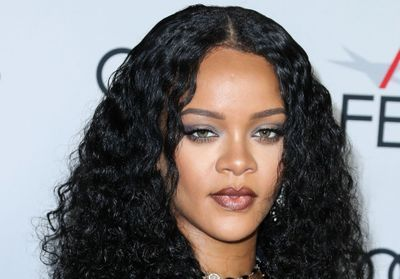Rihanna dévoile son premier selfie de 2020 sans maquillage