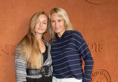 Estelle Lefébure, comme ses filles Ilona et Emma Smet, elle change de coupe de cheveux