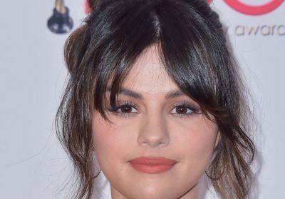 Selena Gomez : elle ose la coupe de Rachel Green, et c'est canon !