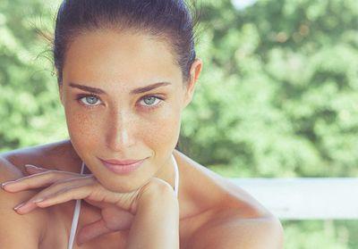 Regarder la vidéo Comment faire un joli maquillage d'été ?