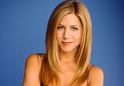 Regarder la vidéo Un visage, une époque : Jennifer Aniston, icône beauté des années 90