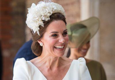 Kate Middleton   pourquoi portait-elle (encore) une robe Alexander McQueen  pour le a7afb6885e0
