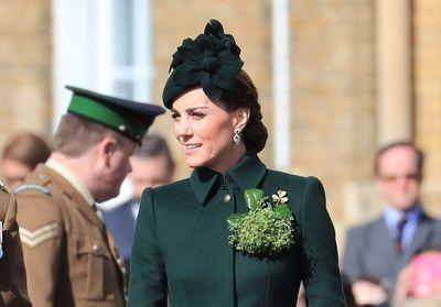Kate Middleton : radieuse en total look vert pour célébrer la Saint-Patrick