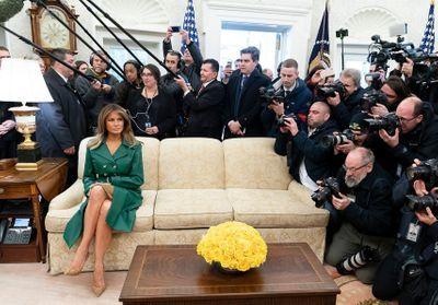 Melania Trump : fatale en manteau en cuir vert, elle déclenche la polémique