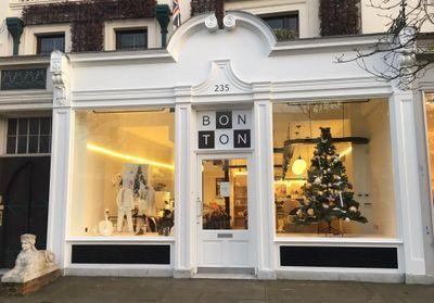 c2f463f424be3  ELLEFashionSpot   Bonton ouvre une boutique pleine de poésie à Londres