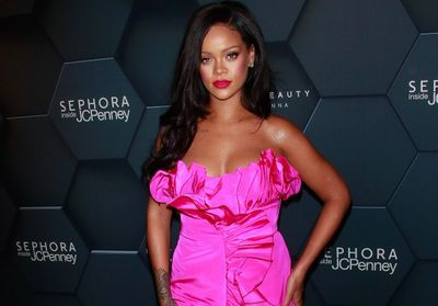 eb39edd606b6f1 Fenty : les premiers looks de la collection de Rihanna