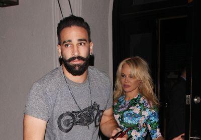 Adil Rami se confie sur les disputes dans son couple avec Pamela Anderson
