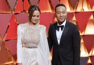 John Legend remercie Chrissy Teigen d'avoir osé publier les photos de sa fausse couche