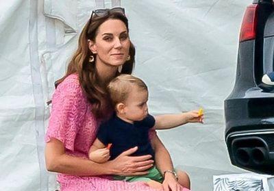 PHOTOS - Louis le petit dernier de Kate Middleton donne déjà du fil à retordre à sa maman https://www.gala.fr/l_actu/news_de_stars/photos-louis-le-petit-dernier-de-kate-middleton-donne-deja-du-fil-a-retordre-a-sa-maman_432058?utm_term=Autofeed&utm_med